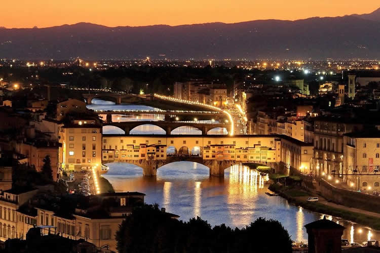 Florence: the Arno river with Ponte Vecchio